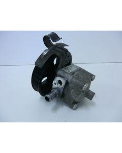 Ohjaustehostimen pumppu S60 V70 S80  05-08   Putkien kiinnitys laipalla Hihnapyörä 140mm Huollettu