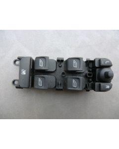 E8042 KYTKIN VOLVO XC/V70 S80 07-15 ETUVASEN OVIKYTKIMET 30773269 (31295114) XC70 V70 S80 07-15