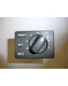 E7789 KATKASIN VOLVO S/V40 Ajotietokoneen katkaisin 30857598 S/V40 96-04